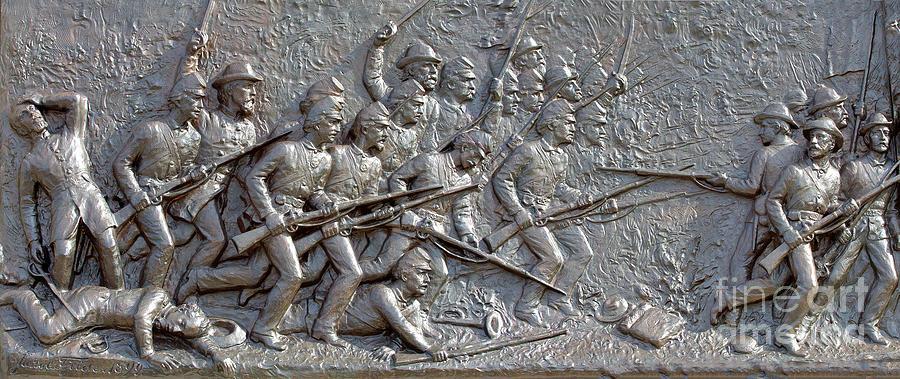 1st Minnesota Monument Photograph - 1st Minnesota Monument At Gettysburg by Randy Steele