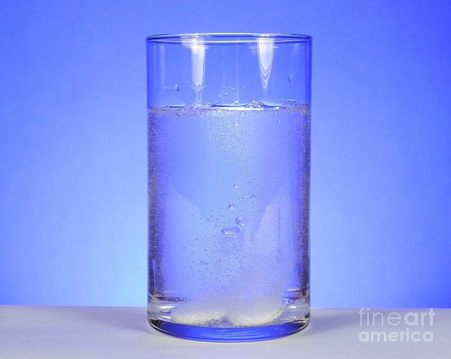Medicine Photograph - Alka-seltzer Dissolving In Water by Photo Researchers, Inc.