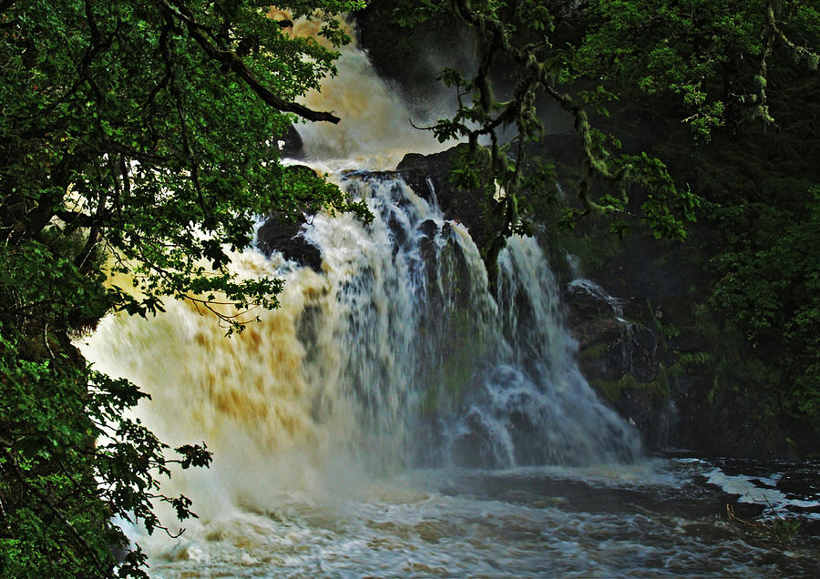 Waterfalls Photograph - Eas Chia-aig by Steve Watson