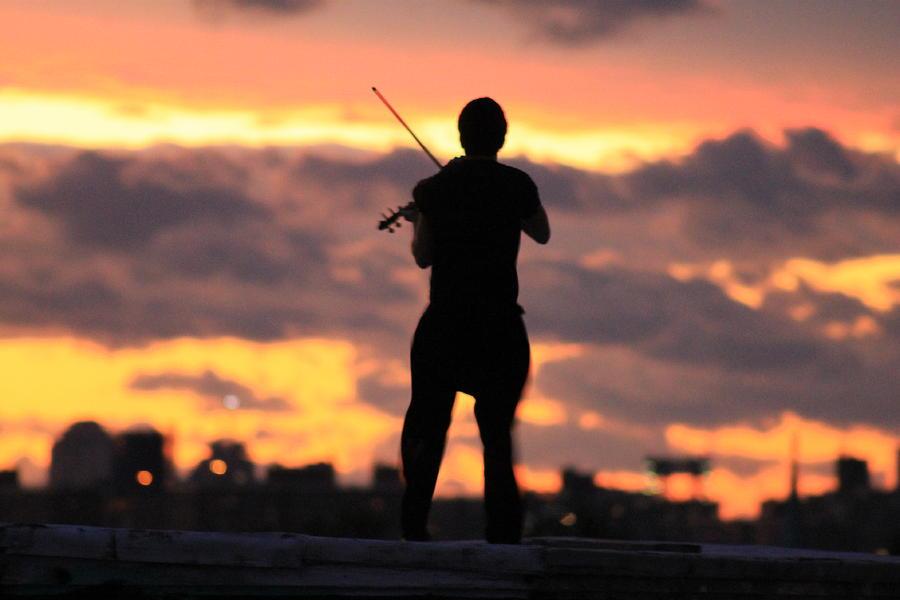 Brooklyn Photograph - Fiddler On The Roof by Nina Mirhabibi