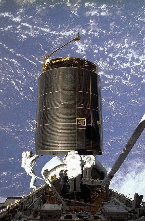 History Photograph - Intelsat Vi, A Communication Satellite by Everett