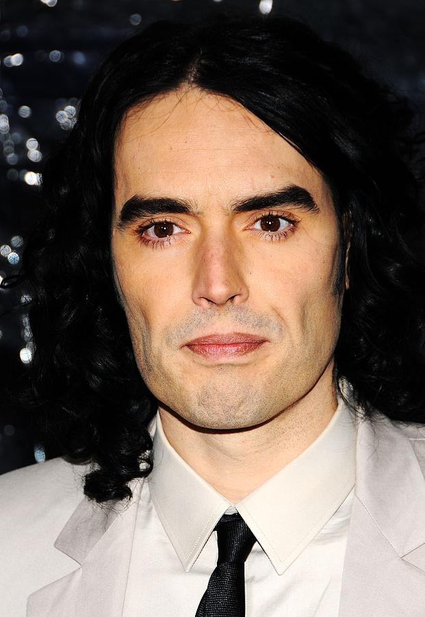 Russell Brand Photograph - Russell Brand At Arrivals For Arthur by Everett