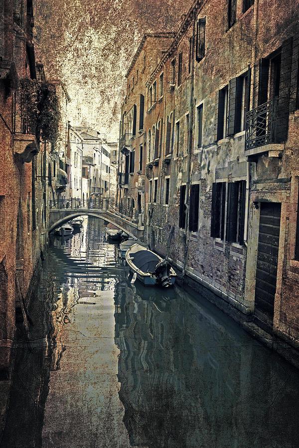 Venice Photograph - Venezia by Joana Kruse