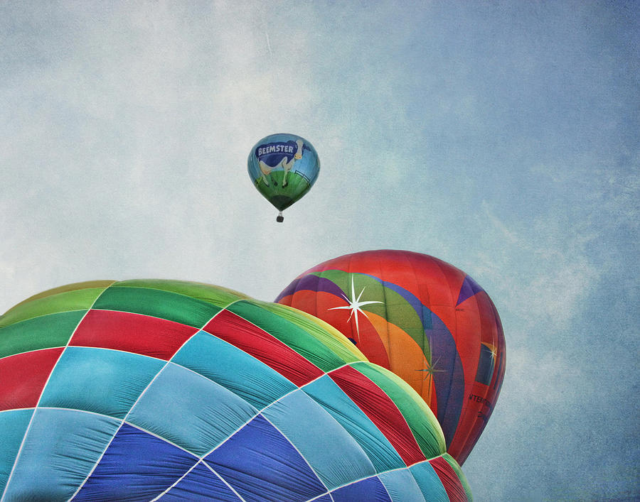 Hot Air Balloons Photograph - 3 Balloons At Readington by Pat Abbott