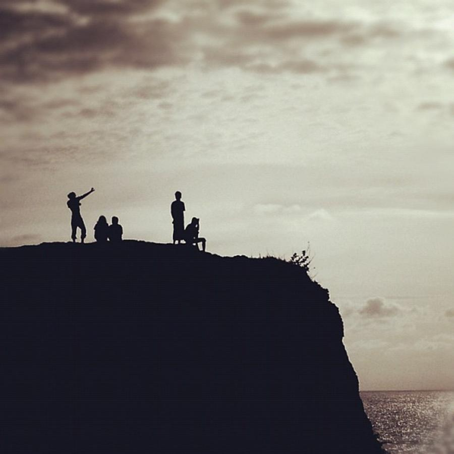 Silhouette Photograph - Instagram Photo by Ritchie Garrod