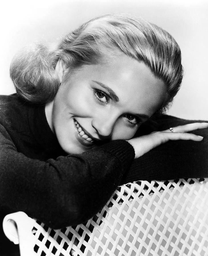 Portrait Photograph - Eva Marie Saint, Ca. 1950s by Everett