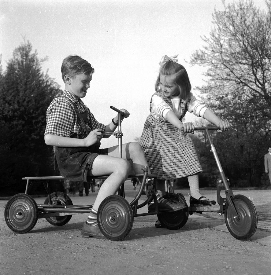 Child Photograph - 5 In 1 Scooter by Hans Enzwieser
