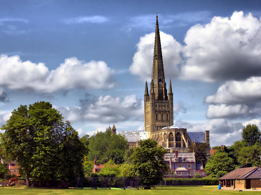 Norwich Cathedral Photograph - Norwich Cathedral Norfolk England by Darren Burroughs