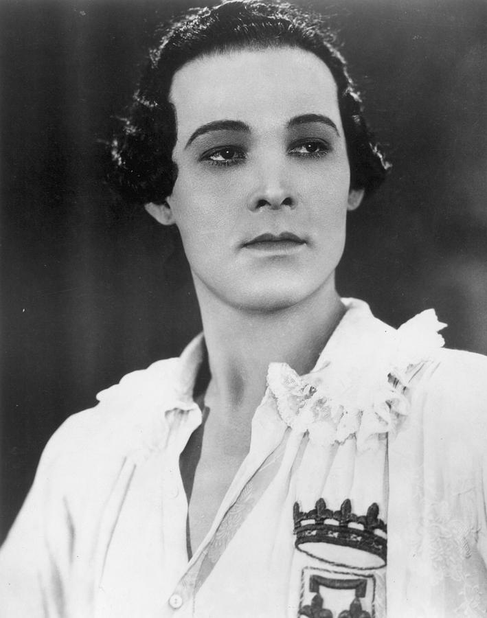Rudolph Valentino Photograph By Granger