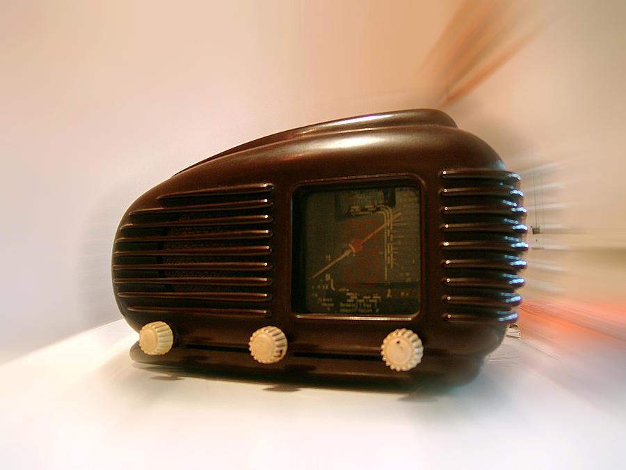 50's Photograph - 50s Radio by Alessandro Della Pietra