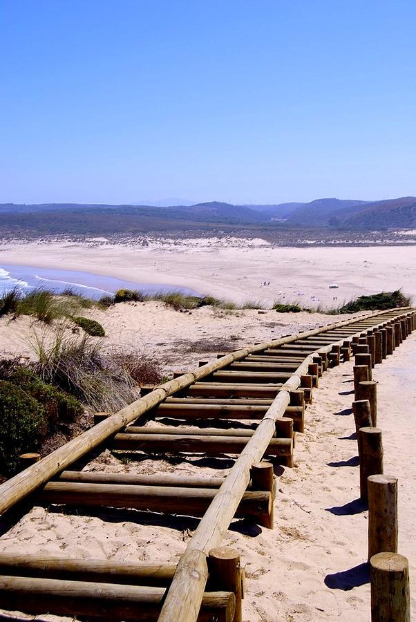 Algarve Photograph - Naturaleza Simple by Eire Cela
