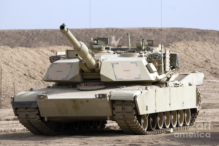 7-m1-abrams-tank-at-camp-warhorse-terry-