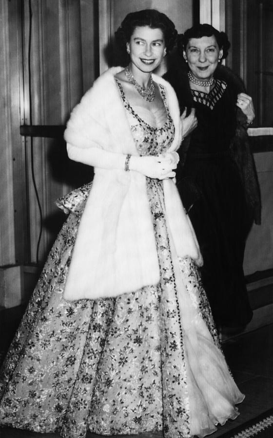 Princess Margaret Foto >> British Royalty. Queen Elizabeth II Photograph by Everett
