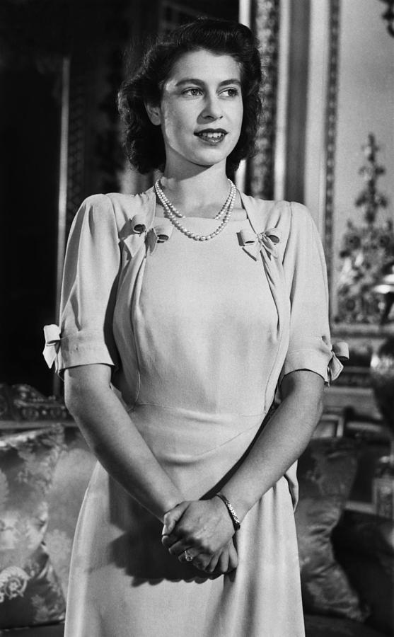 1940s Photograph - British Royalty. Future Queen by Everett