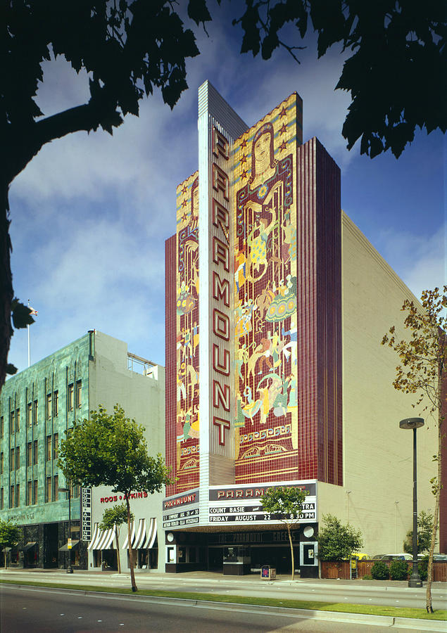 1970s Photograph - Movie Theaters, The Paramount Theatre by Everett