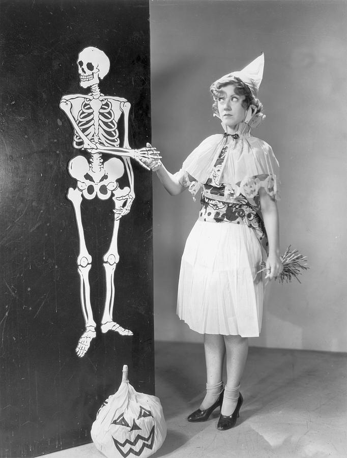 Adults Only Photograph - A Bone To Pick by Hulton Archive