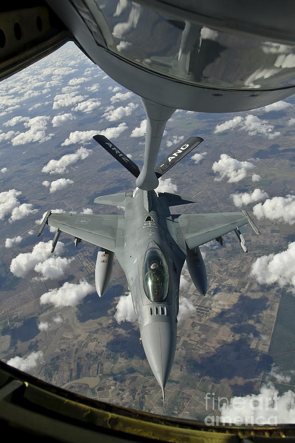 Transportation Photograph - A Chilean Air Force F-16 Refuels by Giovanni Colla