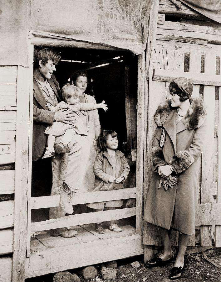 Historical Photograph - A Family Of Poor Sharecroppers by Everett