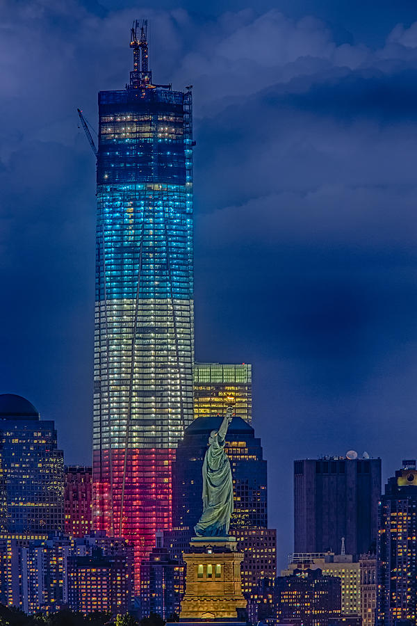 Freedom Tower Photograph - A Look At Freedom by Susan Candelario