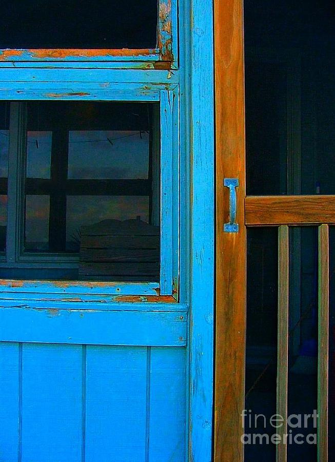 Screen Doors Photograph - A Mom And Pop Stay On Topsail Island by Julie Dant