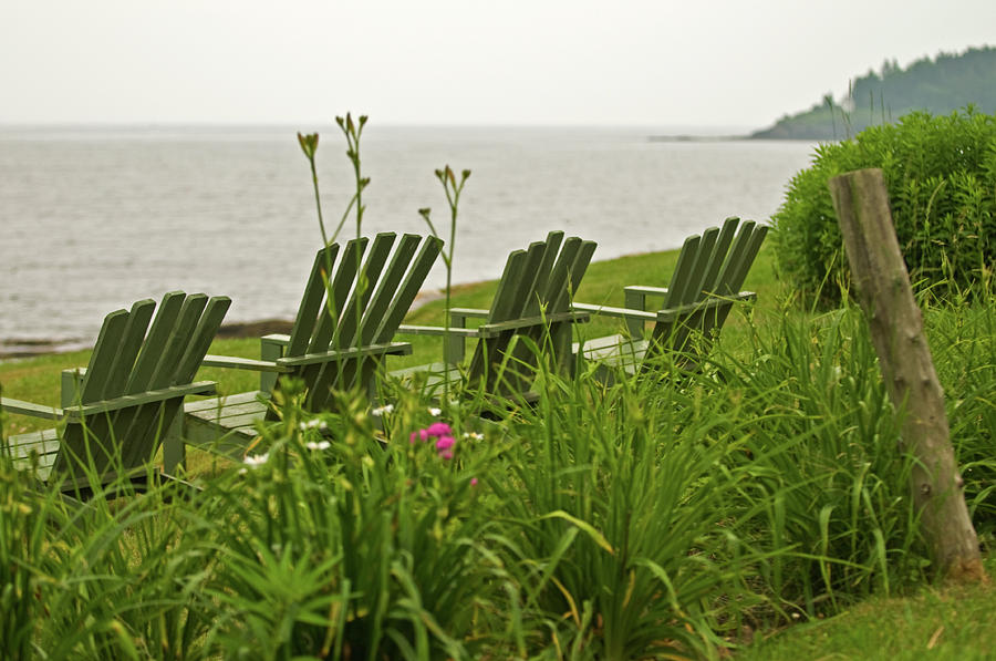 Mid Coast Maine Photograph - A Place To Relax by Paul Mangold