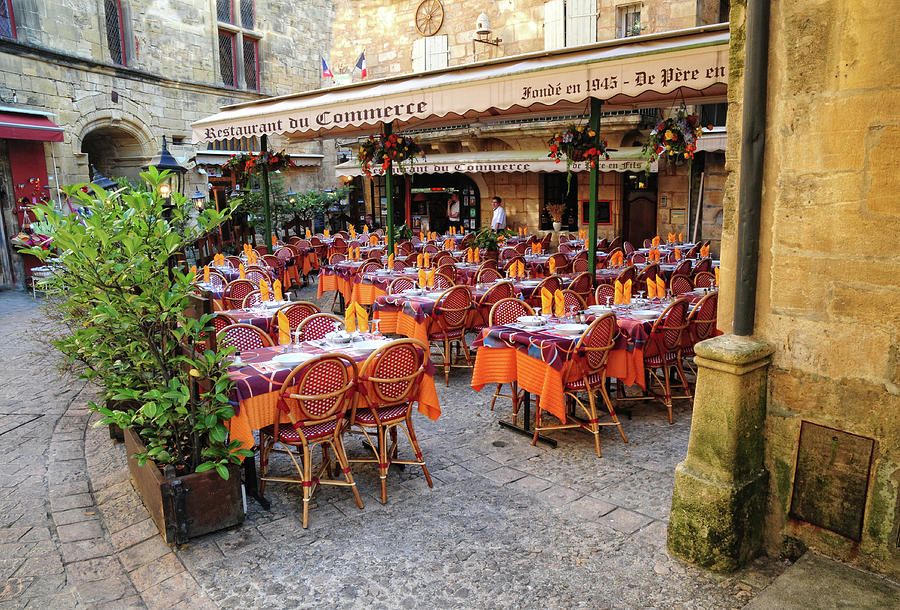 Restaurant Photograph - A Restaurant In Sarlat France by Dave Mills