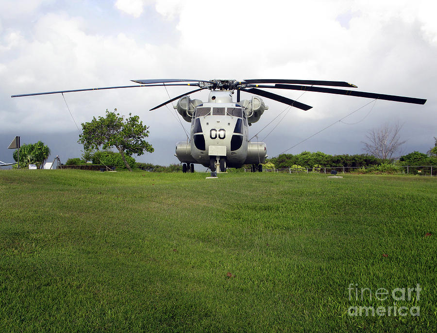 Military Photograph - A Rh-53d Sea Stallion Helicopter by Michael Wood