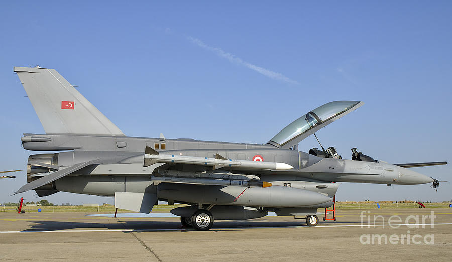 a-turkish-air-force-f-16d-block-50-giova