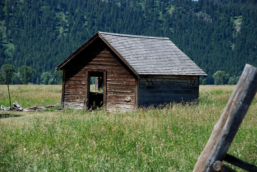 Nature Photograph - Abandoned Barn by Dany Lison