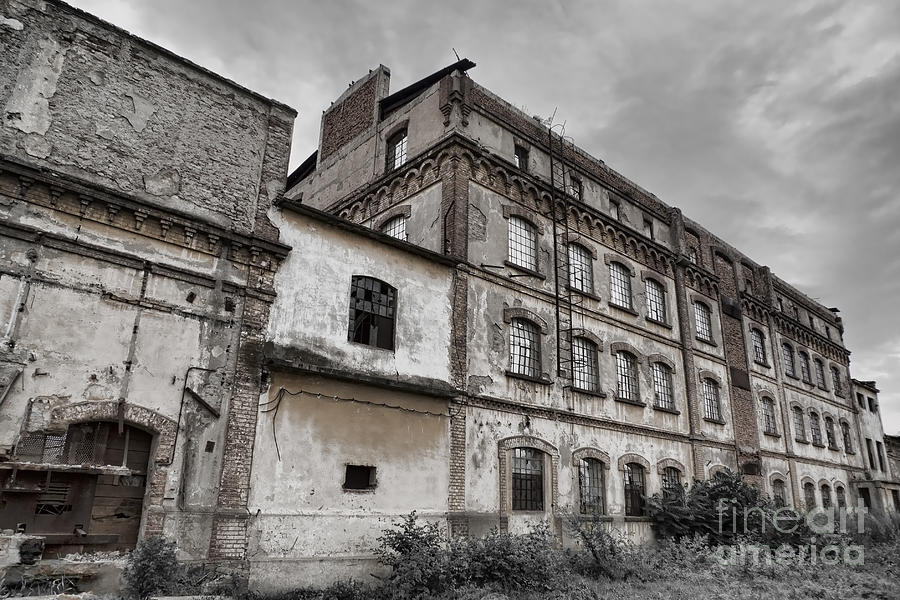 Abandoned Building Photograph By Bogdan Ivan