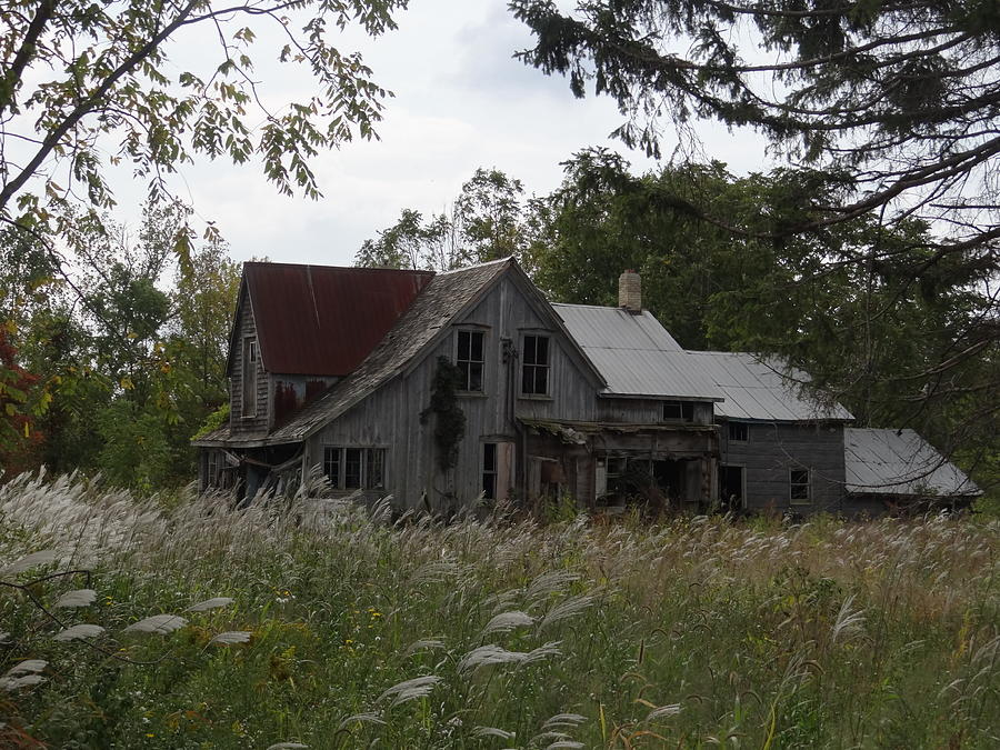 Abandoned Mixed Media - Abandoned Farmhouse 1 by Bruce Ritchie