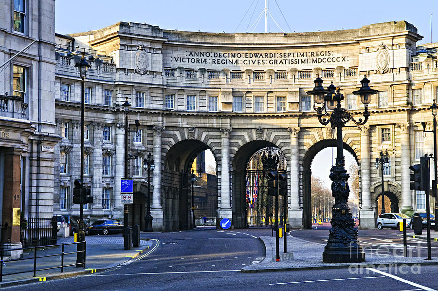 Admiralty Photograph - Admiralty Arch In Westminster London by Elena Elisseeva
