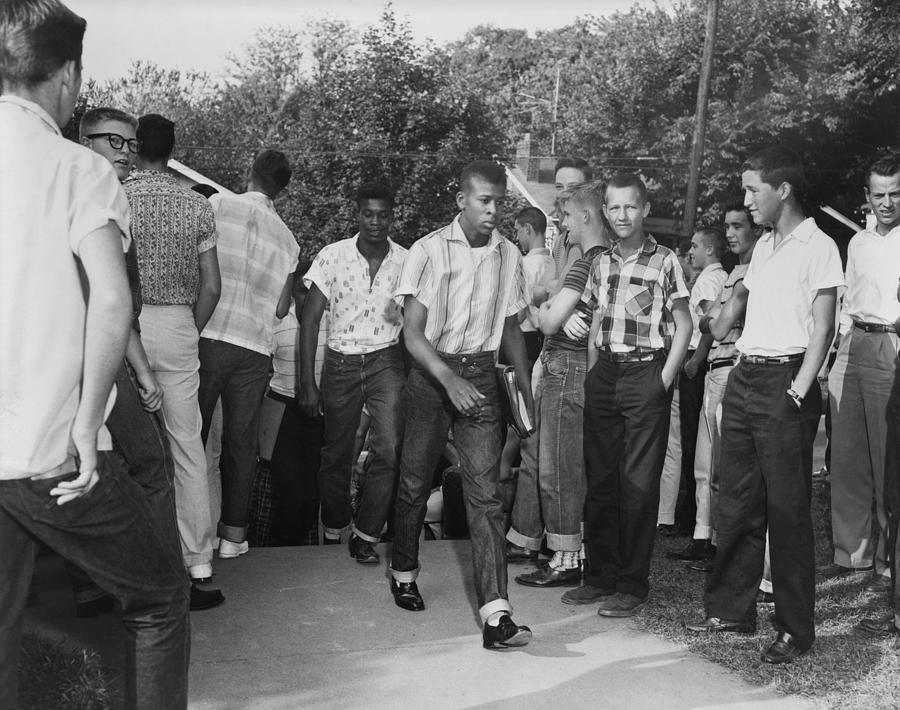 History Photograph - African American Students Arrive by Everett