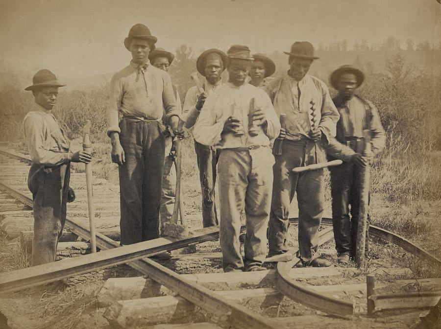 History Photograph - African American Work Team by Everett