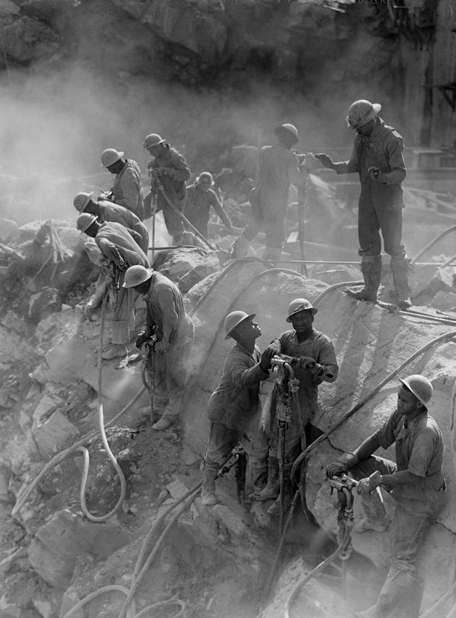 History Photograph - African American Workers Construction by Everett