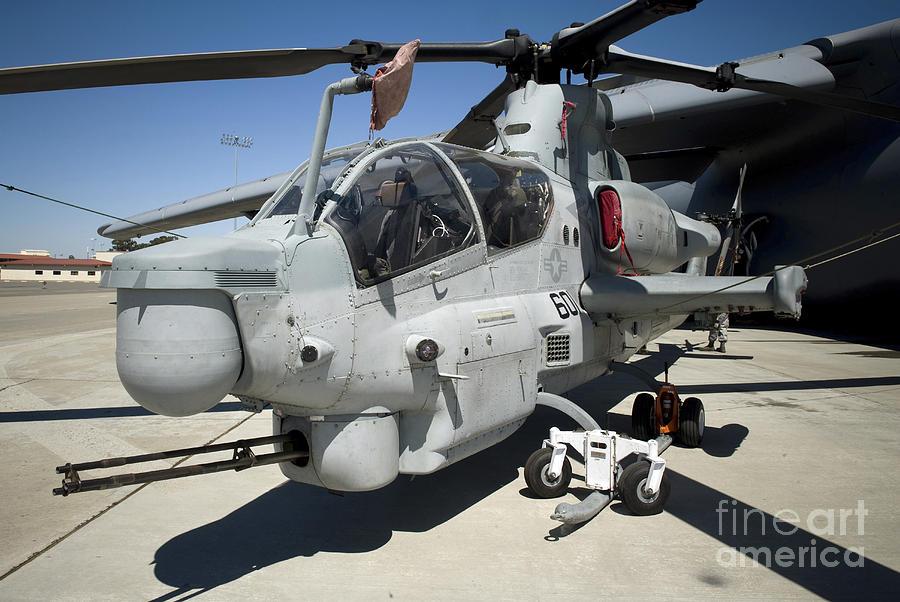Kenyan Air Force gets second hand AH-1 Cobra attack ...