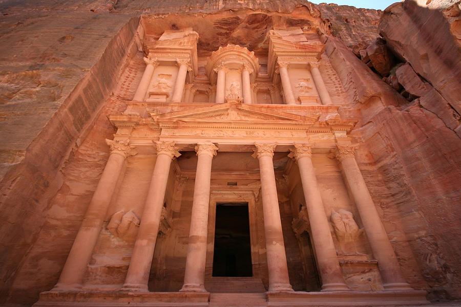 Horizontal Photograph - Al Khazneh (the Treasury), Petra, Jordan by Joe & Clair Carnegie / Libyan Soup