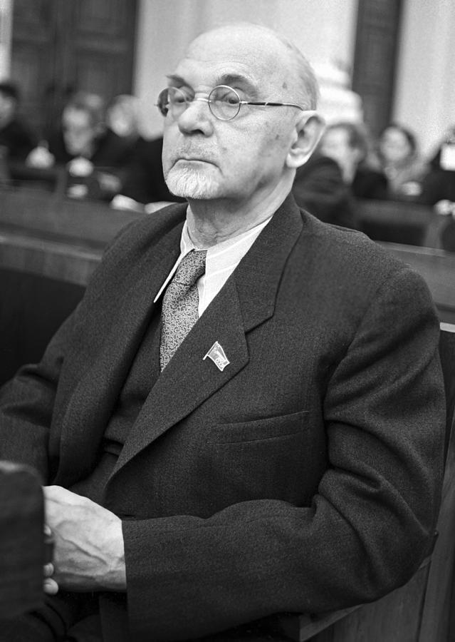 Portrait Photograph - Aleksandr Arbuzov, Soviet Organic Chemist by Ria Novosti