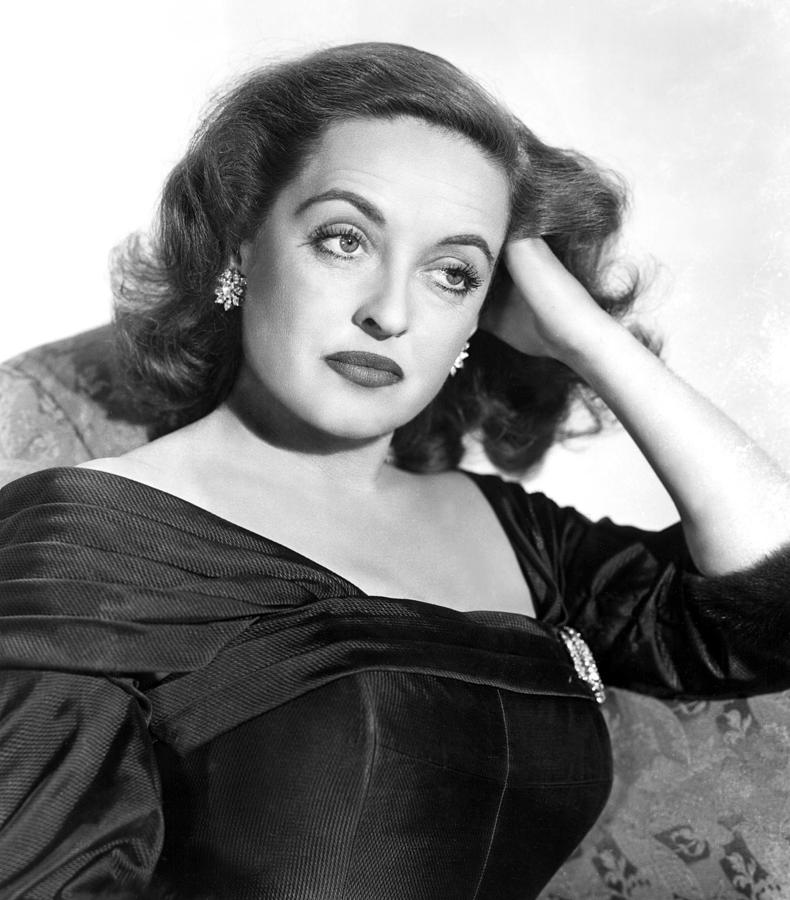 1950 Movies Photograph - All About Eve, Bette Davis, 1950 by Everett