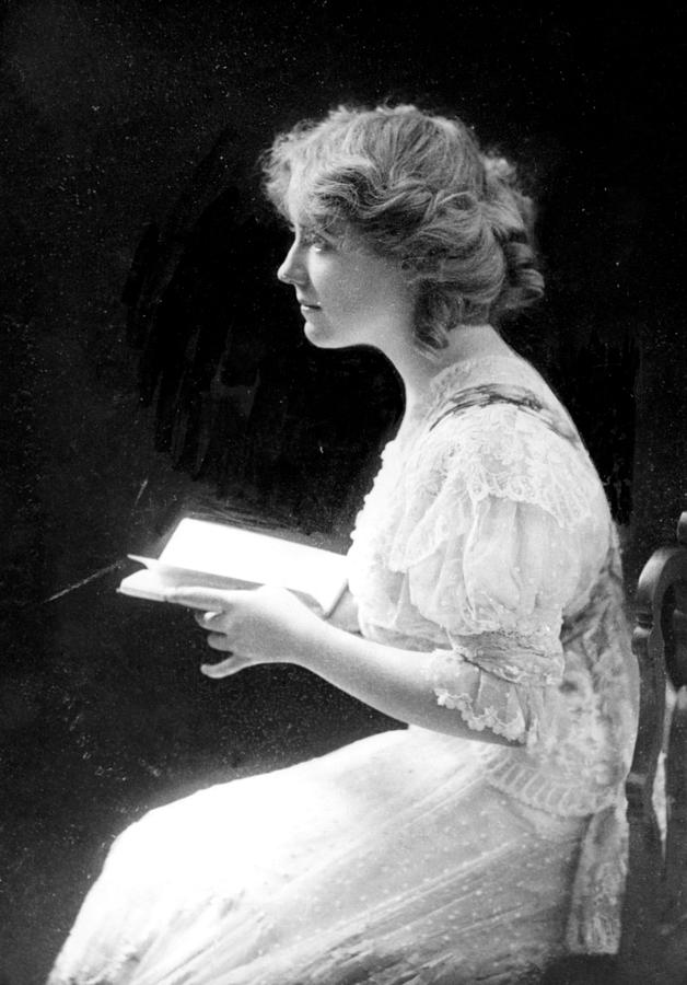 1910s Photograph - American Stage Actress And Director by Everett