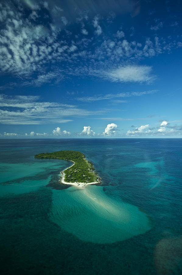 Color Image Photograph - An Island In The Quirimbas Archipelago by Jad Davenport