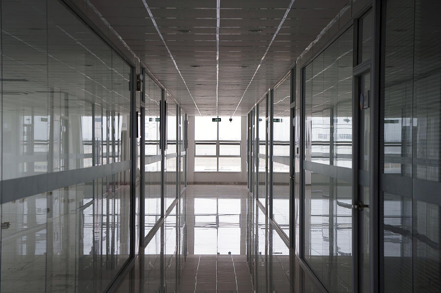 Empty Photograph - An Office Interior. Modern by Guang Ho Zhu