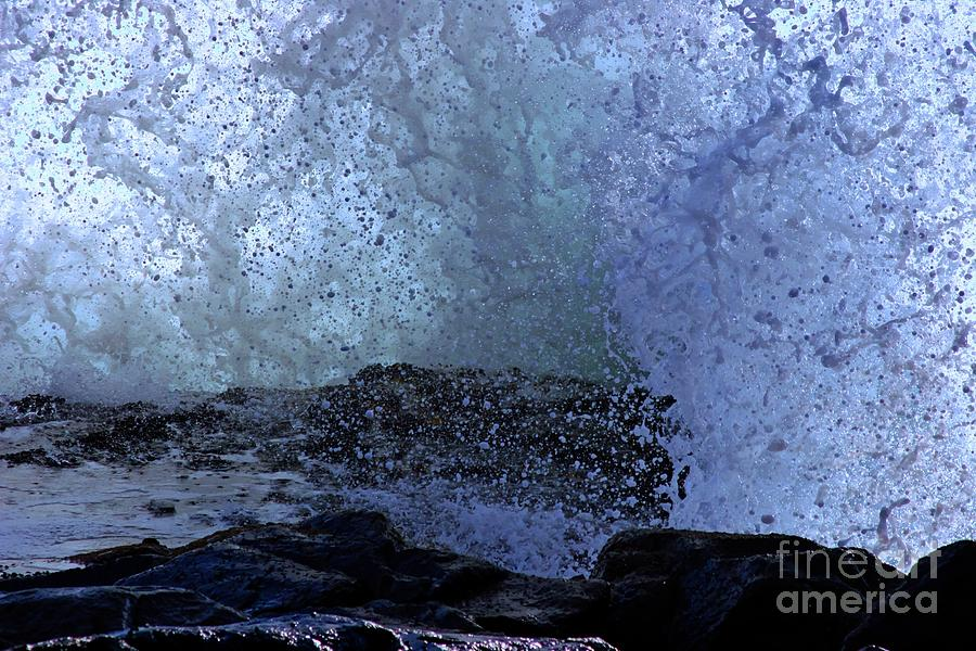Pacific Ocean Anatomy Of A Splash Photograph by Tap On Photo