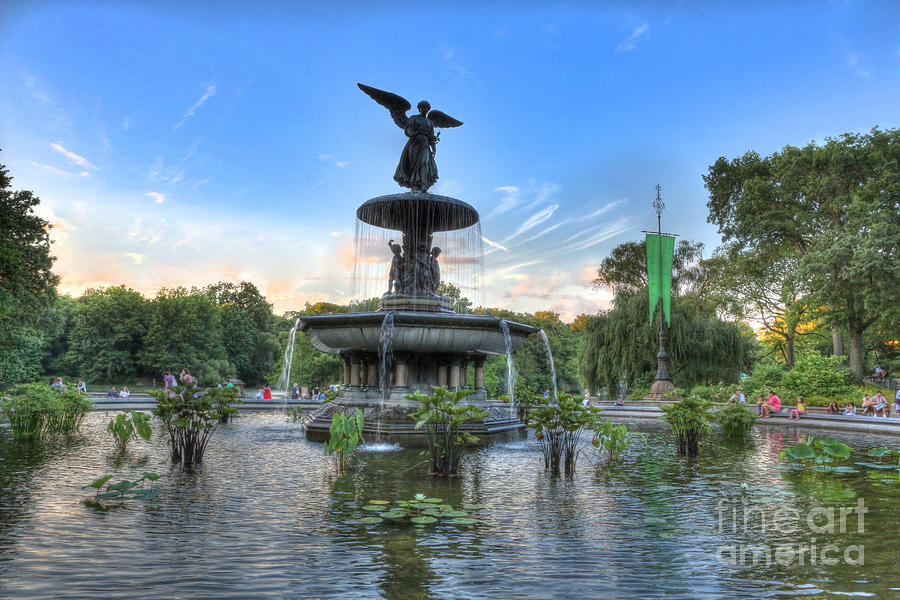 Bethesda Terrace Photograph - Angel Of The Waters Fountain  Bethesda II by Lee Dos Santos