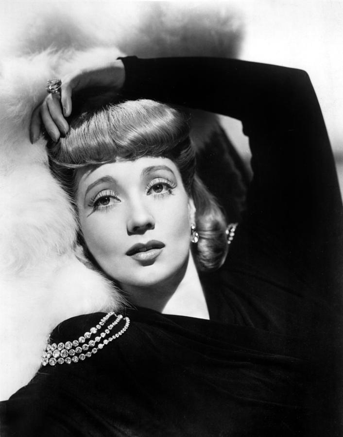 1940s Hairstyles Photograph - Ann Sothern, Portrait by Everett