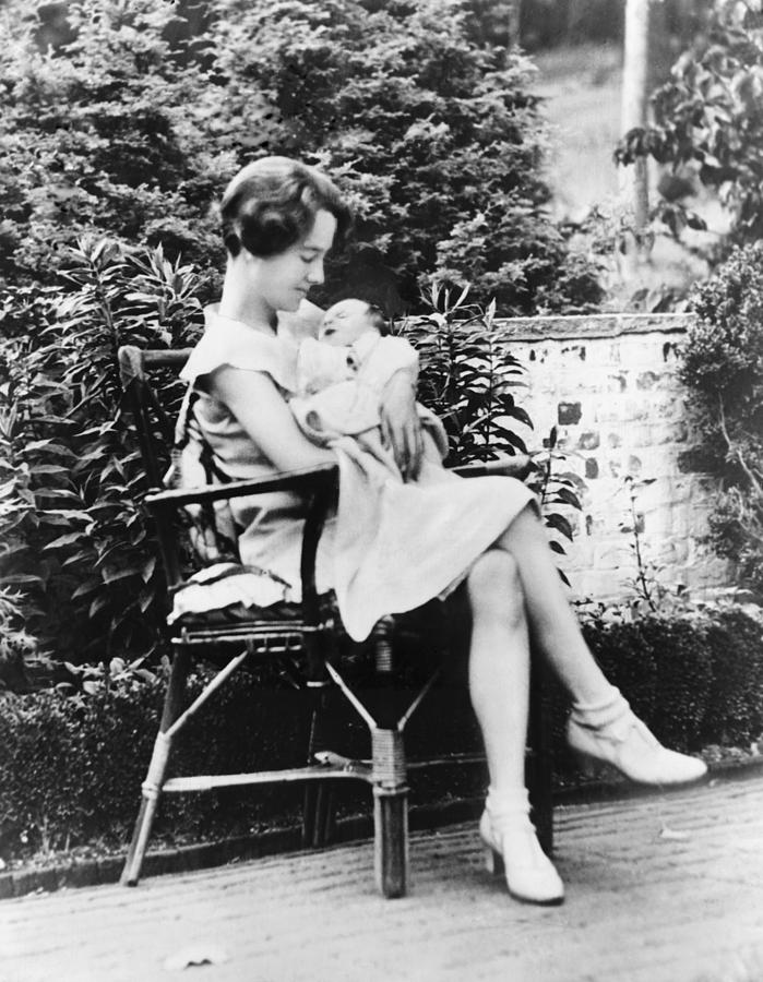 History Photograph - Anne Morrow Lindbergh In 1930, Holding by Everett