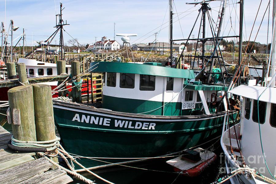 Cape Cod Canal Photograph - Annie Wilder by Extrospection Art