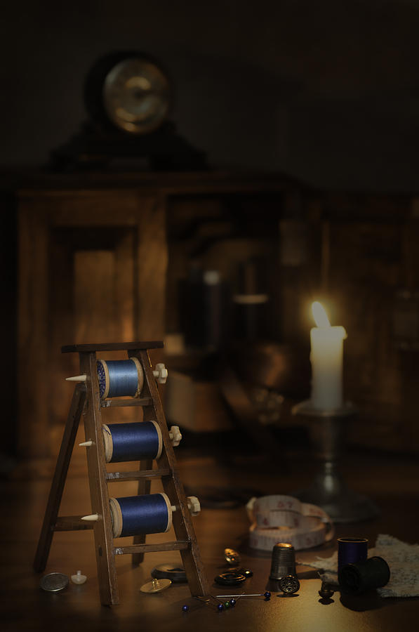 Sewing Photograph - Antique Sewing Items by Amanda Elwell