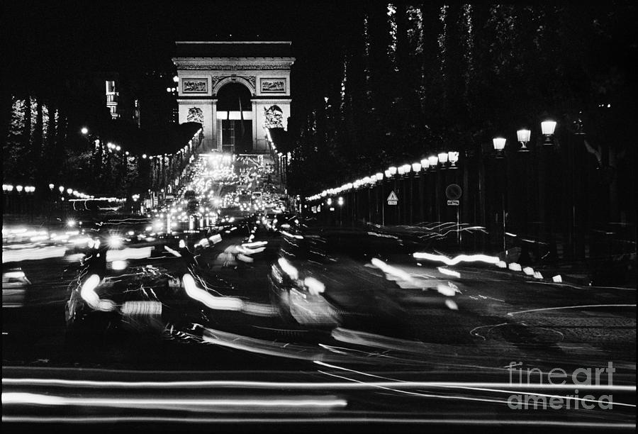 Arc Du Triomphe Photograph - Arc du Triomphe by Aldo Cervato