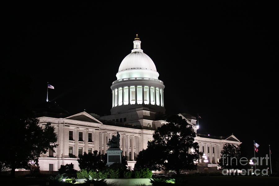 Arkansas Photograph - Arkansas State Capital by Joe Finney